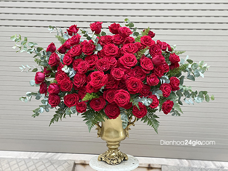 Bình hoa tươi Bi57