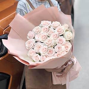 Bó hoa hồng kem HB601