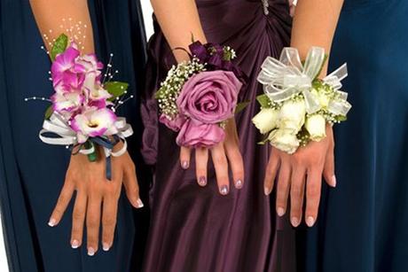 Hoa đeo tay 03