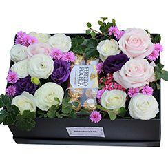 Hộp hoa và chocolate 2017