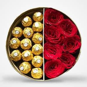 Hộp hoa hồng và chocolate