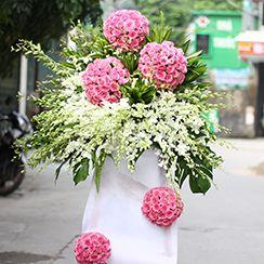 Kệ hoa hồng trắng sang trọng KT65