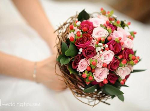 Kết quả hình ảnh cho hoa cưới dâu tây điện hoa 24 giờ