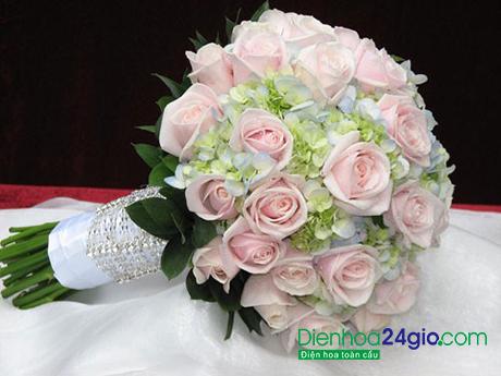Kết quả hình ảnh cho hoa cưới màu hồng phớt